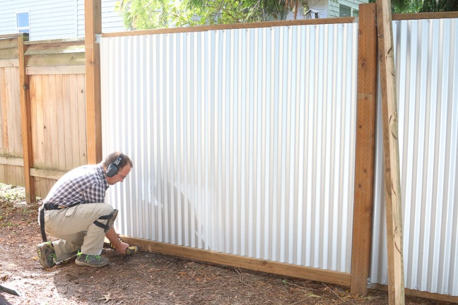 attaching-the-bottom-trim-board-to-the-fence
