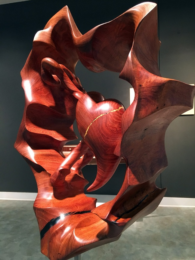 lou-quallenbergs-broken-heart-sculpture