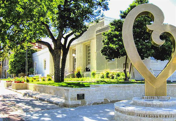 the-old-kerrville-post-office-has-a-second-life-as-the-kerr-arts-center
