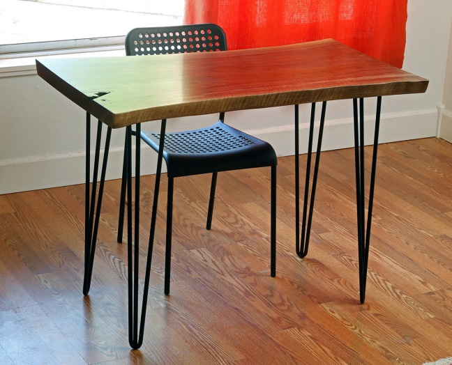 the-hairpin-legs-make-a-mid-century-modern-desk